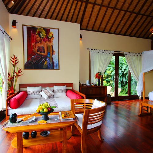 Two Bed Pool Villa Dining AreaMunduk Moding Plantation