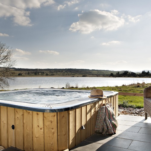 Instants D'Absolu Hot Tub