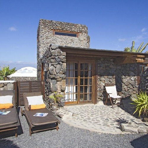 Lanzarote Retreats Garden Cottage Sunloungers