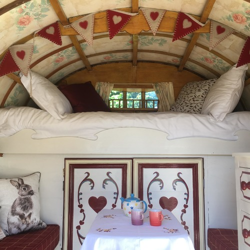 Hoe Grange Gypsy Caravan Bed andtable