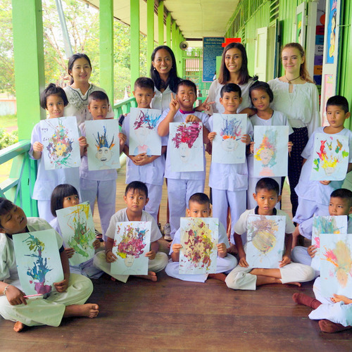 Art lessons at Volun2Thai