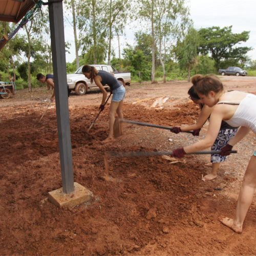 Volunt2Thai Construction Volunteering