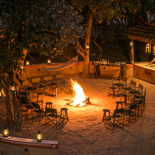 Firepit and bar