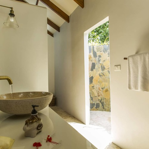 Koh Jum Beach Villas 2 Bed Pool Villa Thanachaat Shower